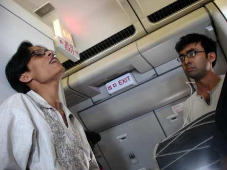singing in plane in beijing