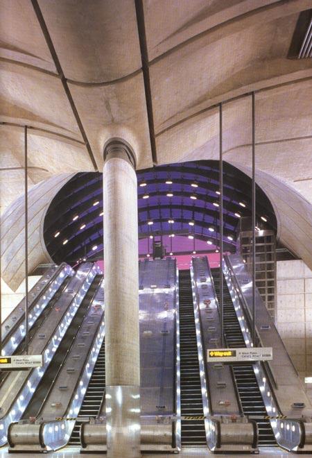 interior of canary wharf station